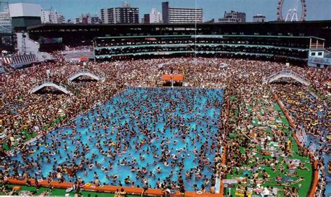 Chinese Summer - overcrowded swimming pool in China