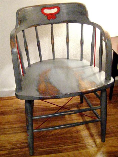 How to Paint Wood Furniture With an Aged Look | how-tos | DIY