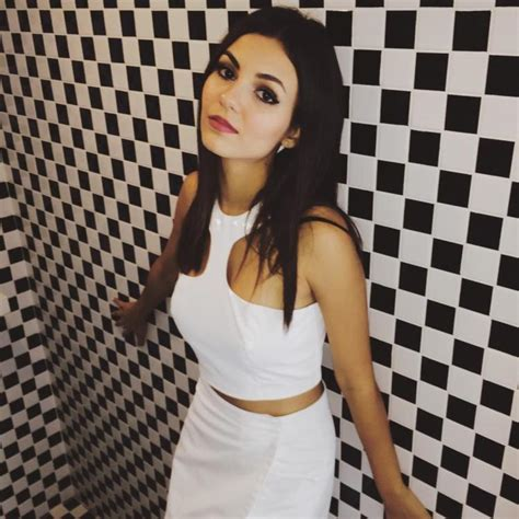 Victoria Justice Hot Bikini Photos Images and Wallpapers