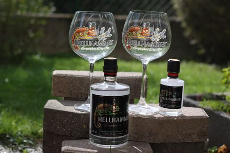 [Rezension des Monats] Hellhammer Langenfeld Dry Gin - Ginday