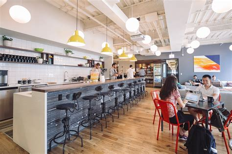 A Tour of WeWork's New Chicago Coworking Space - Officelovin'
